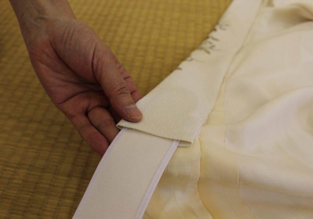 衿芯を半衿内側から入れる