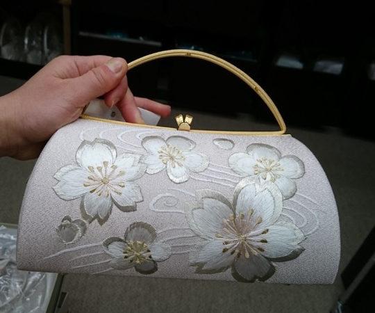 薄ピンク地桜刺繍バッグ 表