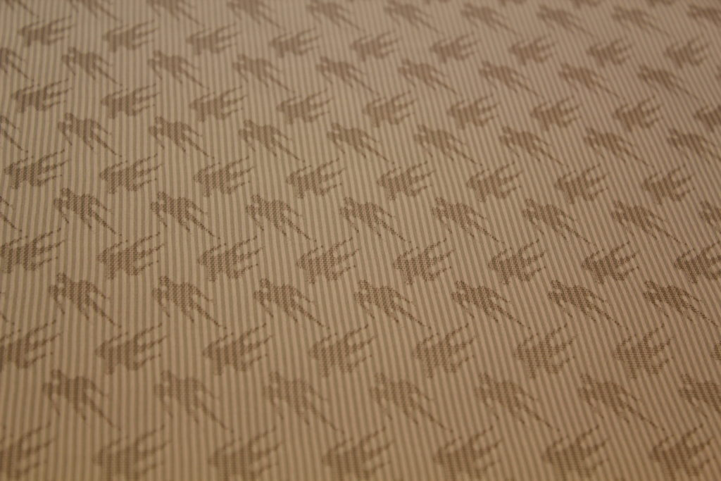 もじり織り ピンク ツバメ 生地アップ
