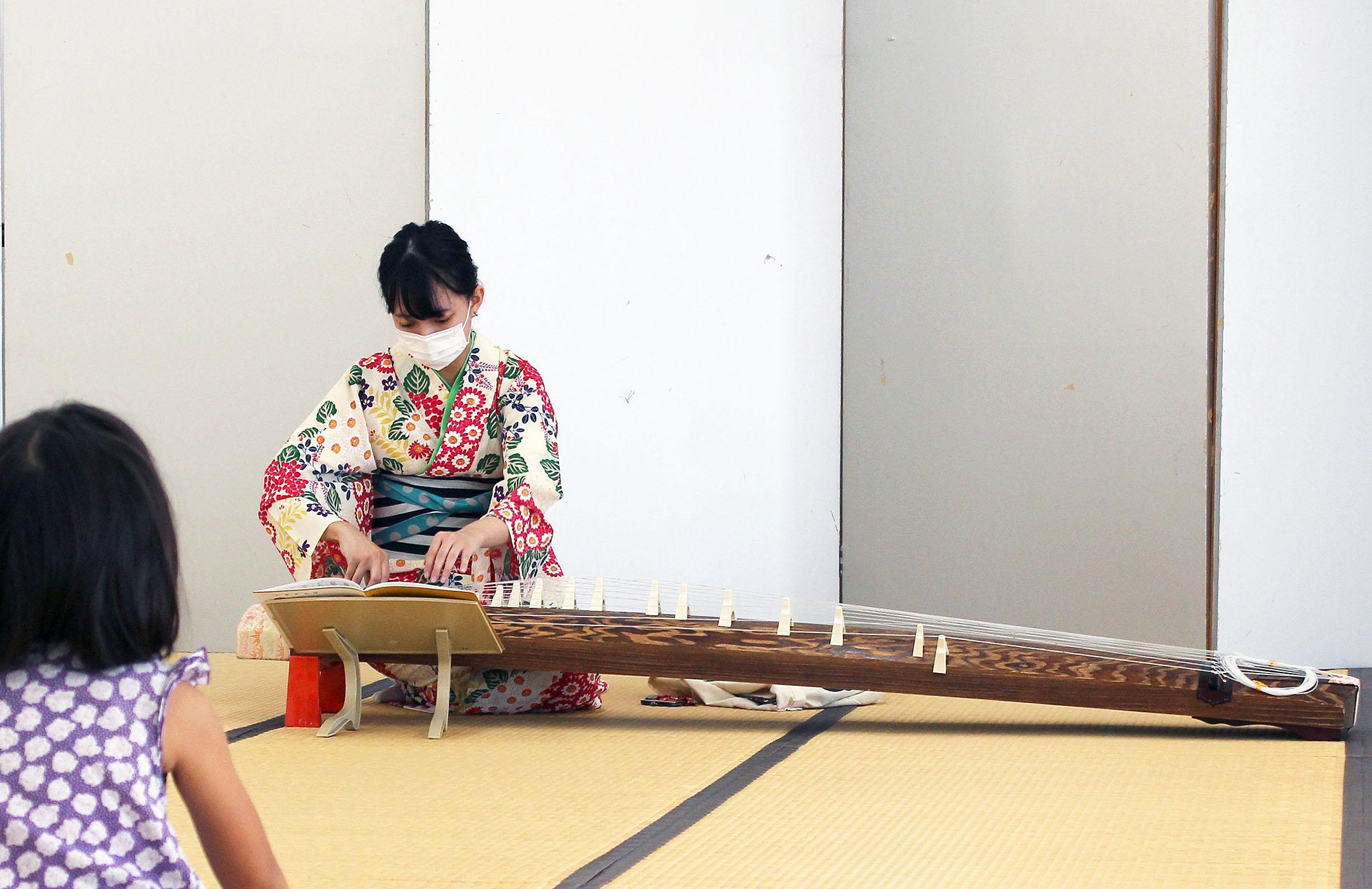 お琴の生演奏ソロ十三弦演奏曲目さくらんぼの歌と風の踊り子